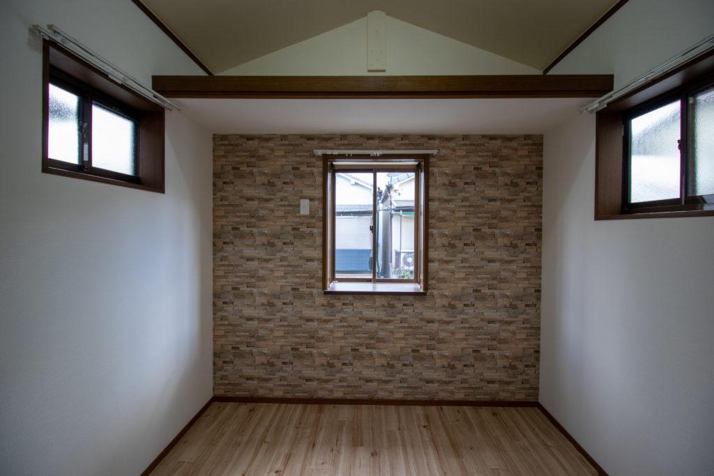 屋根裏の収納1